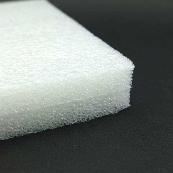 O polietileno expandido tem seu maior uso na indústria automotiva.
