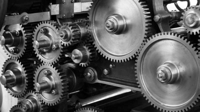 A liga 8620 é muito utilizada na fabricação de engrenagens e outras peças de máquinas.