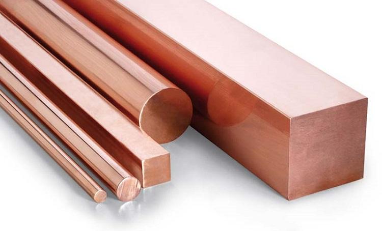Barras de cobre eletrolítico em diferentes formatos.