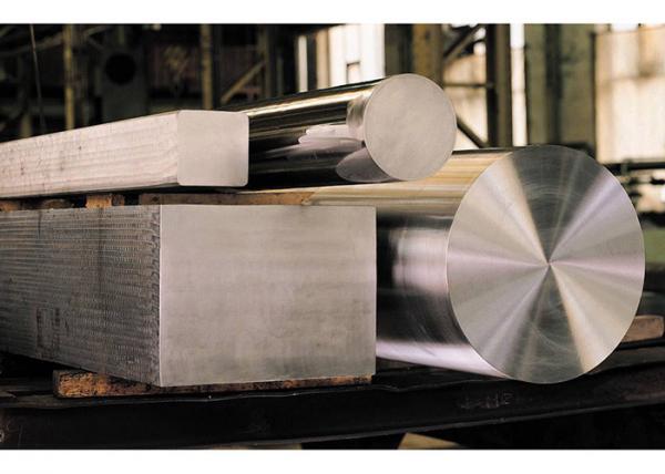 Barras retangulares e redondas de aço M2 para ferramentas.