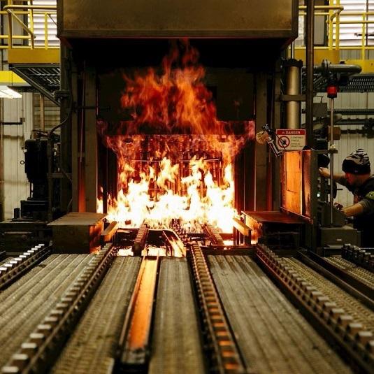 Processo de cementação do aço.
