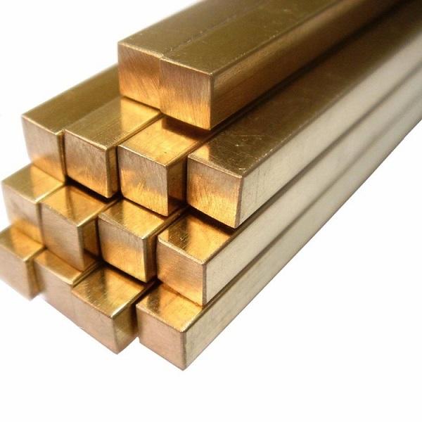 Barras quadradas de bronze.